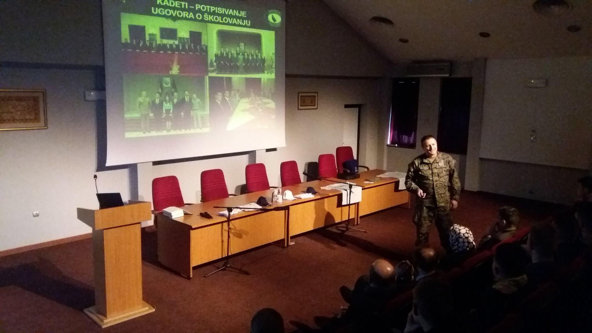 Predstavnici Oružanih Snaga BiH Održali Prezentaciju Za Maturante