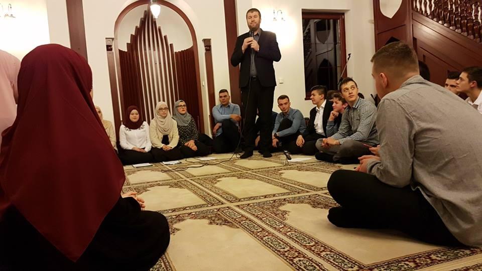 Noć Kur'ana, Ilahija I Predavanja